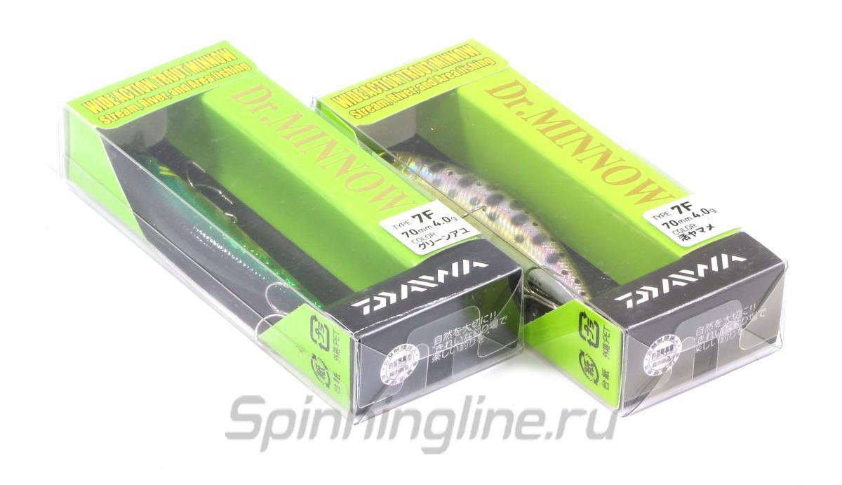 Воблер Daiwa Dr.Minnow 7F L kawamutu - Данное фото демонстрирует вид упаковки, а не товара. Товар на фото может отличаться по цвету, комплектации и т.д. Дизайн упаковки может быть изменен производителем 1