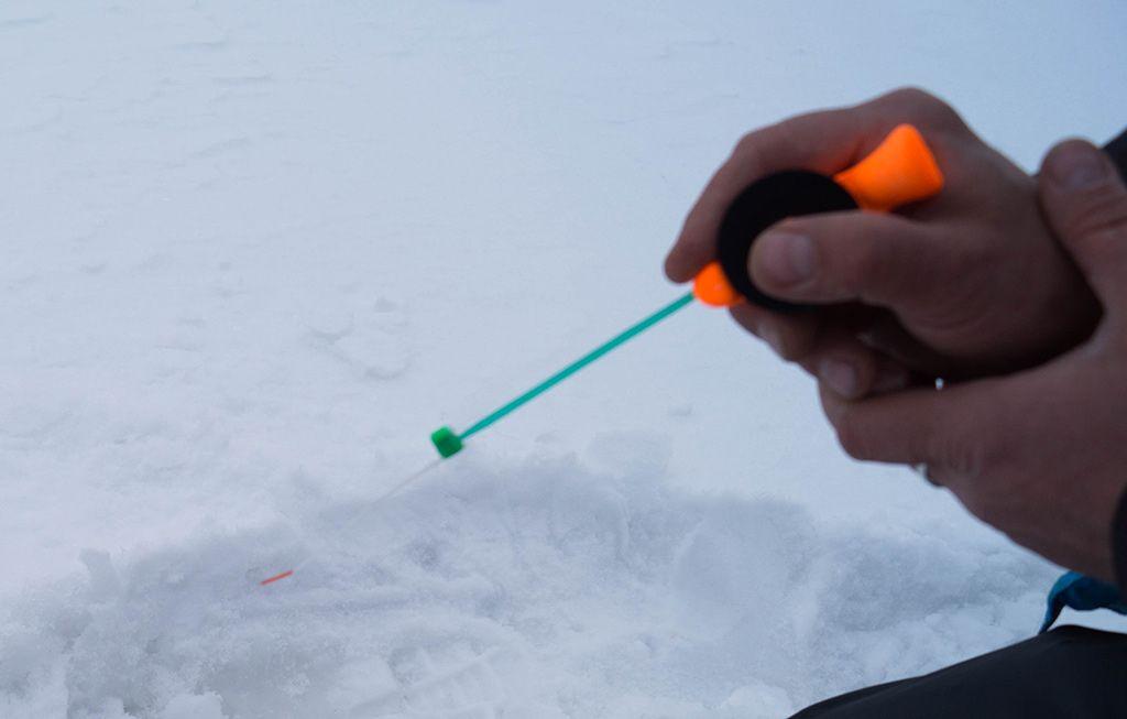 ловля плотвы на течении зимой